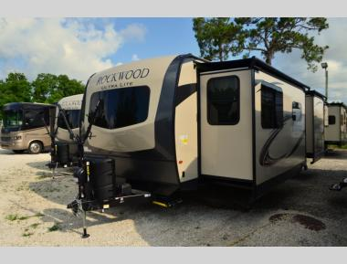 New 2020 Forest River Rockwood Ultra Lite 2608BS Travel Trailer RV For Sale (1)