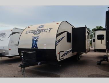 Used 2017 KZ Connect Lite C261BH Travel Trailer RV For Sale (1)