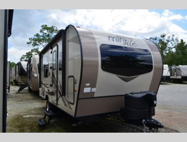 New 2019 Forest River Rockwood Mini Lite 1905G Travel Trailer RV For Sale (1)