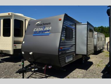 New 2020 Coachmen Catalina Summit 172BHS Travel Trailer RV For Sale (1)