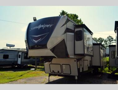 New 2019 Forest River Sandpiper 372LOK Fifth Wheel RV For Sale (1)