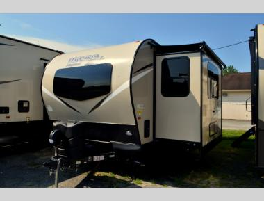 New 2020 Forest River Flagstaff Micro Lite 25FKS Travel Trailer RV For Sale (1)