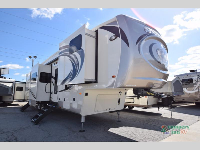 Used 2018 Palomino Columbus F386fk Fifth Wheel At Campers