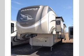 New 2019 Jayco Pinnacle 36FBTS Photo