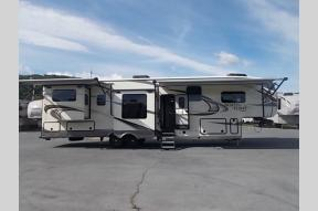 New 2018 Jayco North Point 387RDFS Photo