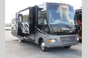 Used 2013 Winnebago Vista 30T Photo