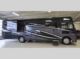 Used 2018 Winnebago Vista LX 35F Photo