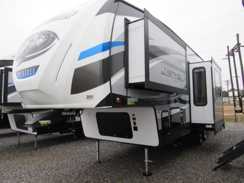 New  2018 35' Forest River RV Cherokee Arctic Wolf 305ML6 Fifth Wheel in Hattiesburg, Mississippi