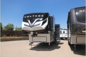 New 2021 Dutchmen RV Voltage 4175 Photo