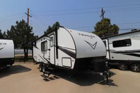 New 2022 Prime Time RV Tracer 200BHSLE Photo