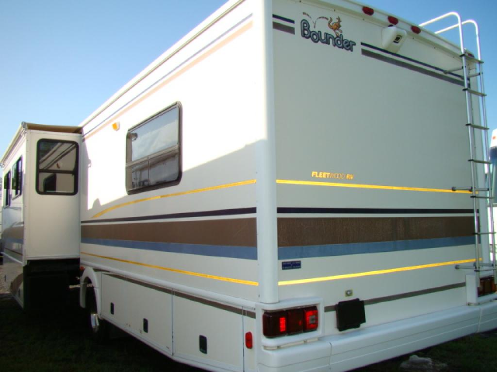 used 2001 fleetwood rv bounder 34d motor home class a at dick gore 39 s rv world jacksonville fl. Black Bedroom Furniture Sets. Home Design Ideas