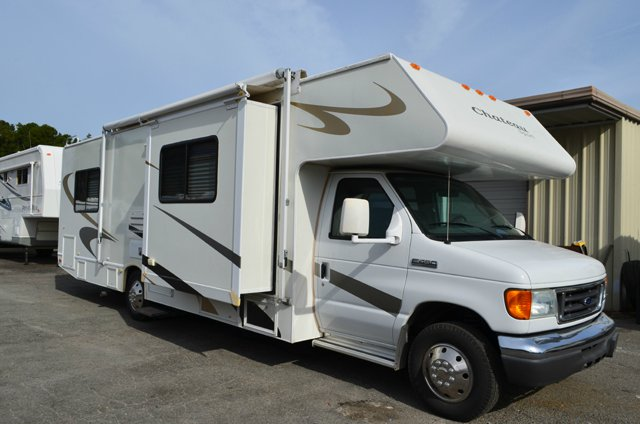 Used 2007 Four Winds Rv Chateau Sport 31f Motor Home Class