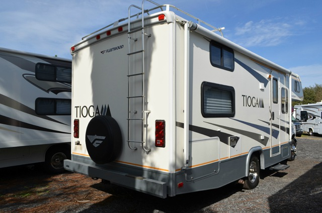 Used 2006 Fleetwood Rv Tioga 24d Motor Home Class C At