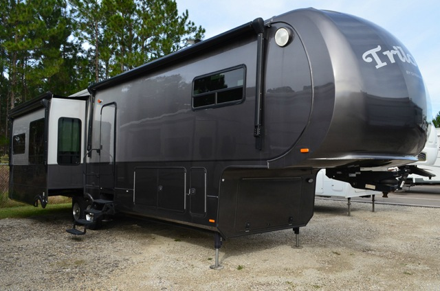 Used Rv For Sale In Ga >> Used 2013 Dynamax Trilogy 3850D3 Fifth Wheel at Dick Gore's RV World | Jacksonville, FL | #DC000118U
