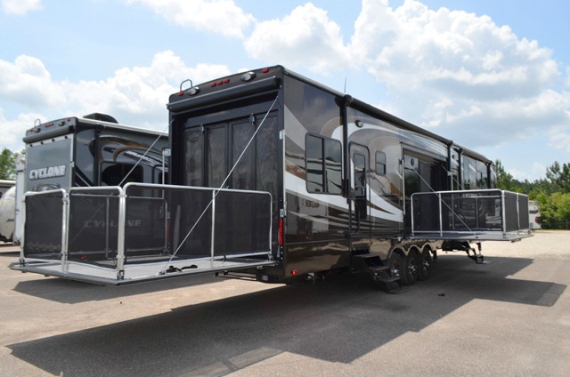 New 2016 Heartland Cyclone 4200 Toy Hauler Fifth Wheel At