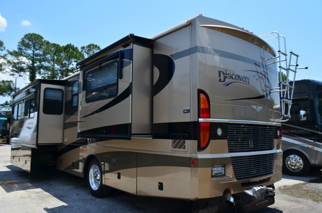 Used 2004 Fleetwood Rv Discovery 39l Motor Home Class A