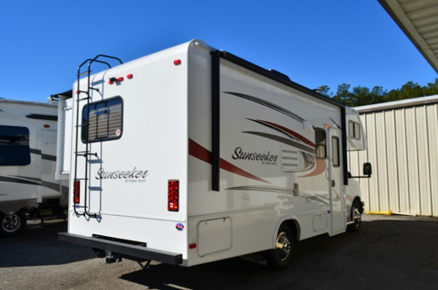 Used 2016 forest river rv sunseeker le 2250sle chevy motor for Used class c motor home