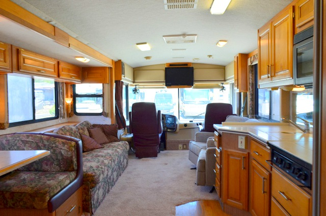 Used 1998 Fleetwood Rv Discovery 36t Motor Home Class A