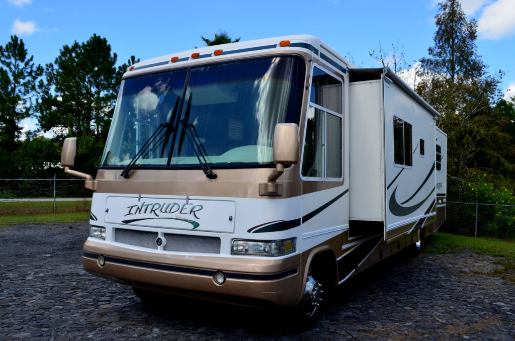 Used 2000 Damon Intruder 359 Motor Home Class A at Dick Gore's RV