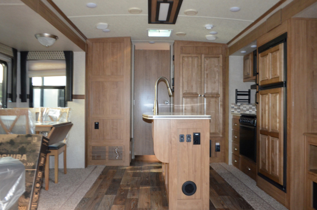 New 2017 Forest River Rv Rockwood Windjammer 3025w Travel