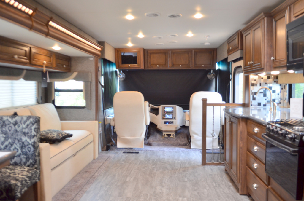New 2018 Newmar Bay Star Sport 3312 Motor Home Class A At