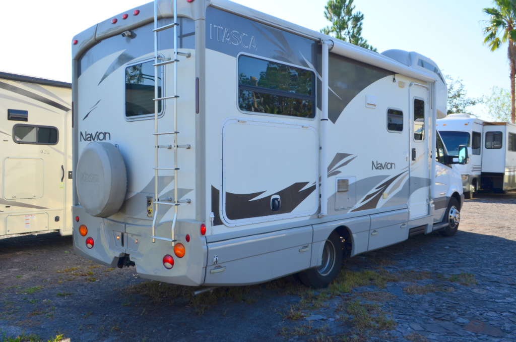 Used 2009 itasca navion 24j motor home class c diesel at for Used mercedes benz rv for sale