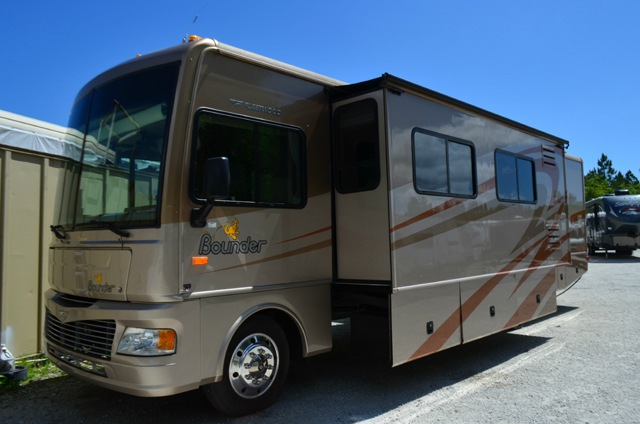 Used 2007 Fleetwood Rv Bounder 35e Motor Home Class A At