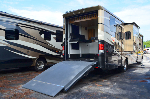 New 2015 Newmar Canyon Star 3921 Motor Home Class A Toy