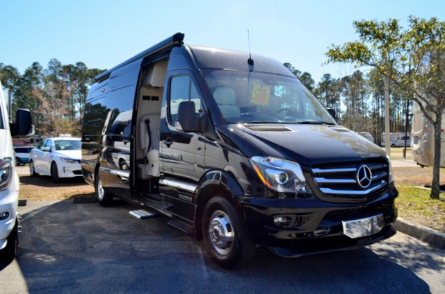Mercedes benz diesel airstream interstate 3500 for sale for Mercedes benz airstream interstate