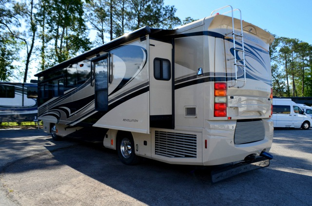 Used 2007 Fleetwood Rv Revolution Le 40v Motor Home Class