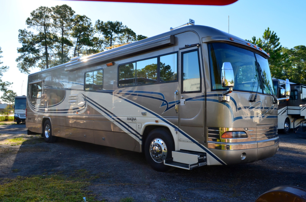 Used 2001 country coach magna 40 motor home class a for Motor home class a