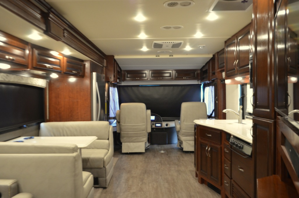 Used 2018 Fleetwood RV Pace Arrow 36U Motor Home Class A - Diesel at