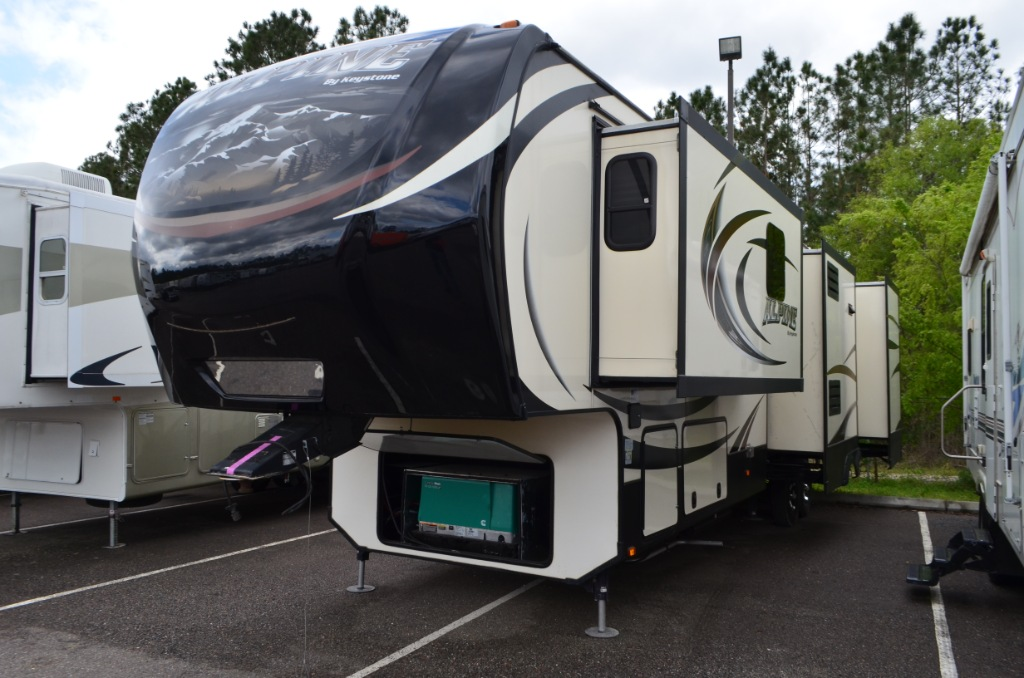 Used 2015 Keystone Alpine 3555rl Fifth Wheel Rv For Sale  Keystone Alpine 3555rl Fifth Wheel Rv For Sale 1