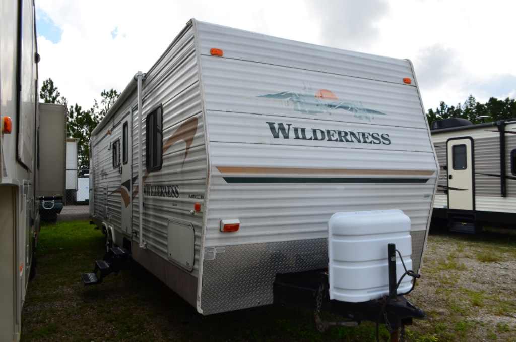 Used 2004 Fleetwood Rv Wilderness 300bhs Travel Trailer At