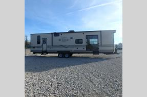 New 2018 Keystone RV Retreat 39FDEN Photo