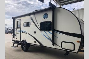 Used 2017 Palomino Real-Lite Mini 19-S Photo