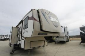 Used 2014 CrossRoads RV Hill Country 28BH Photo