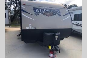 Used 2017 Forest River RV Wildwood 263BHXL Photo