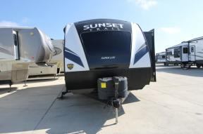Used 2018 CrossRoads RV Sunset Trail Super Lite SS210FK Photo