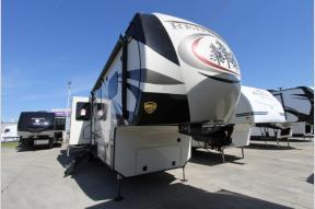 Used 2018 Redwood RV Redwood 3991RD Photo