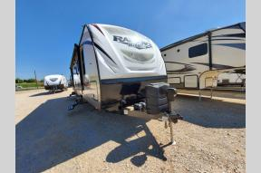 Used 2018 Cruiser Radiance Ultra Lite 30DS Photo
