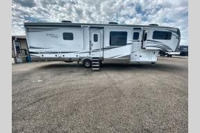 Used 2021 Jayco North Point 382FLRB Photo