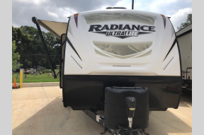 Used 2018 Cruiser Radiance Ultra Lite 28QD Photo