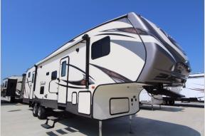 Used 2018 CrossRoads RV Volante 310BH Photo