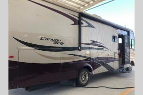 Used 2008 Newmar Canyon Star CSCA 3205 Photo