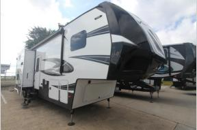 Used 2017 Dutchmen RV Voltage V3305 Photo