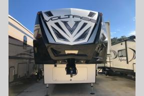 Used 2017 Dutchmen RV Voltage V3005 Photo
