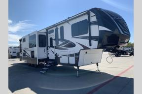 Used 2017 Dutchmen RV Voltage Epic V4100 Photo