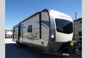 Used 2020 Forest River RV Rockwood Signature Ultra Lite 8332SB Photo