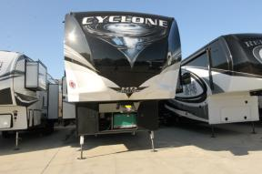 Used 2018 Heartland Cyclone 4005 Photo